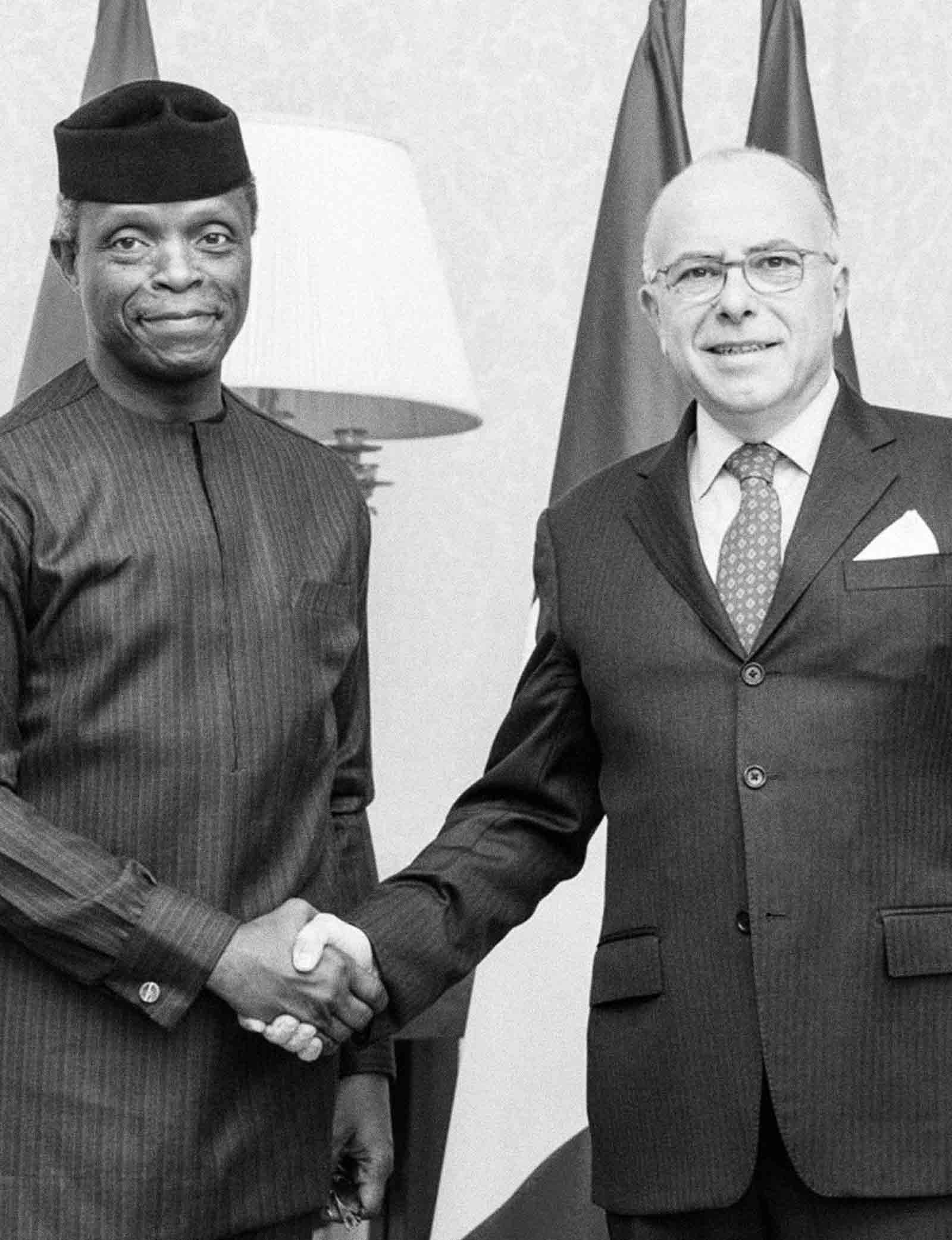Vice President Osinbajo Meets With Bernard Cazeneuve in Paris at OECD's Anti-corruption Forum