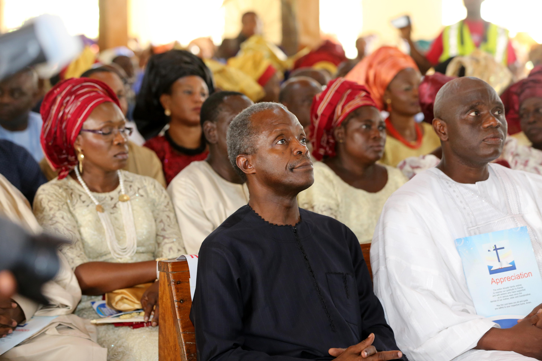 VP Osinbajo Attends Burial Ceremony Of Pastor Femi Atoyebi's Mother On 08/05/2015