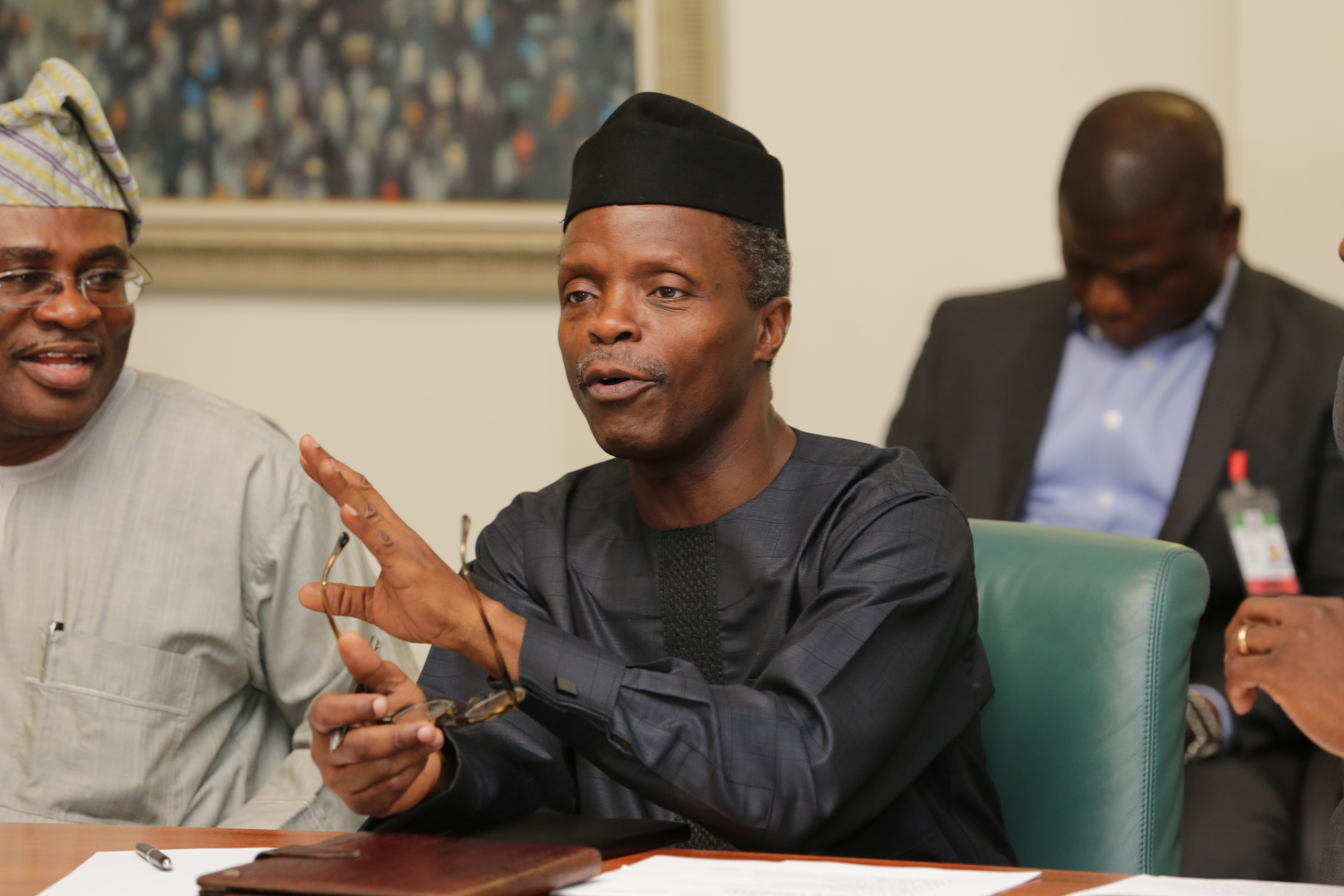 VP Osinbajo Meets With Health Sector Strategy Committee For Roundtable Discussion On 13/05/2015
