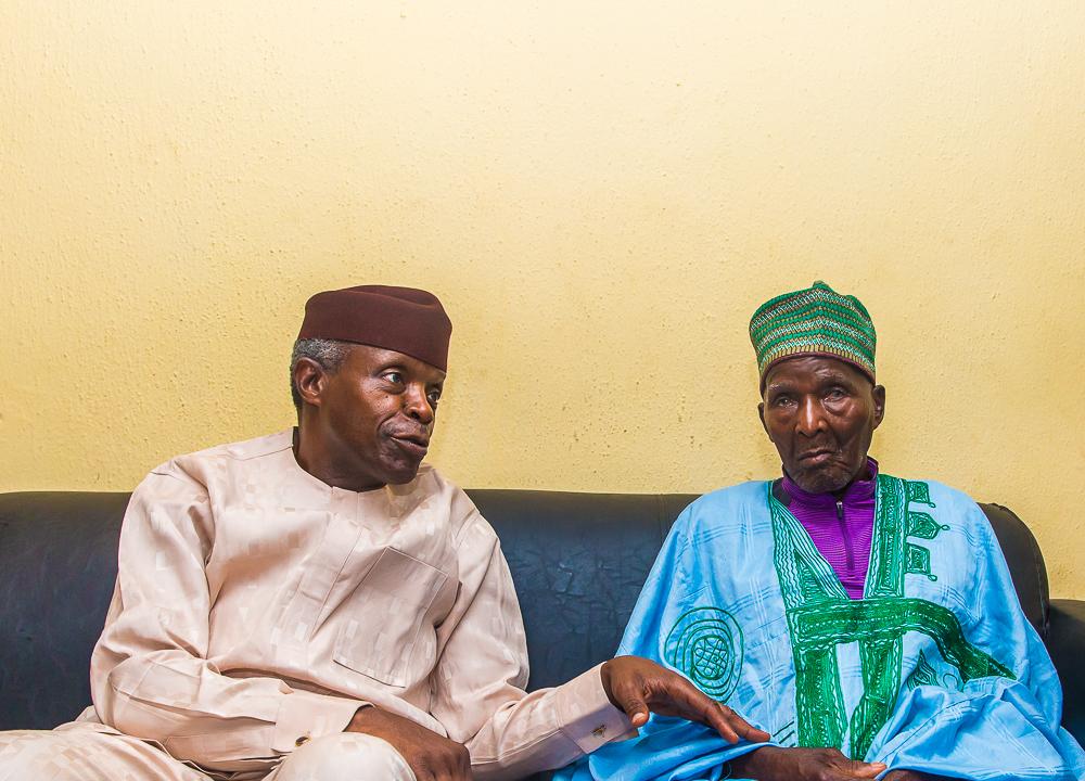 VP Osinbajo Visits 106 Year Old Baba Gazazhin Alagazhin In Kubwa, Abuja On 31/05/2019