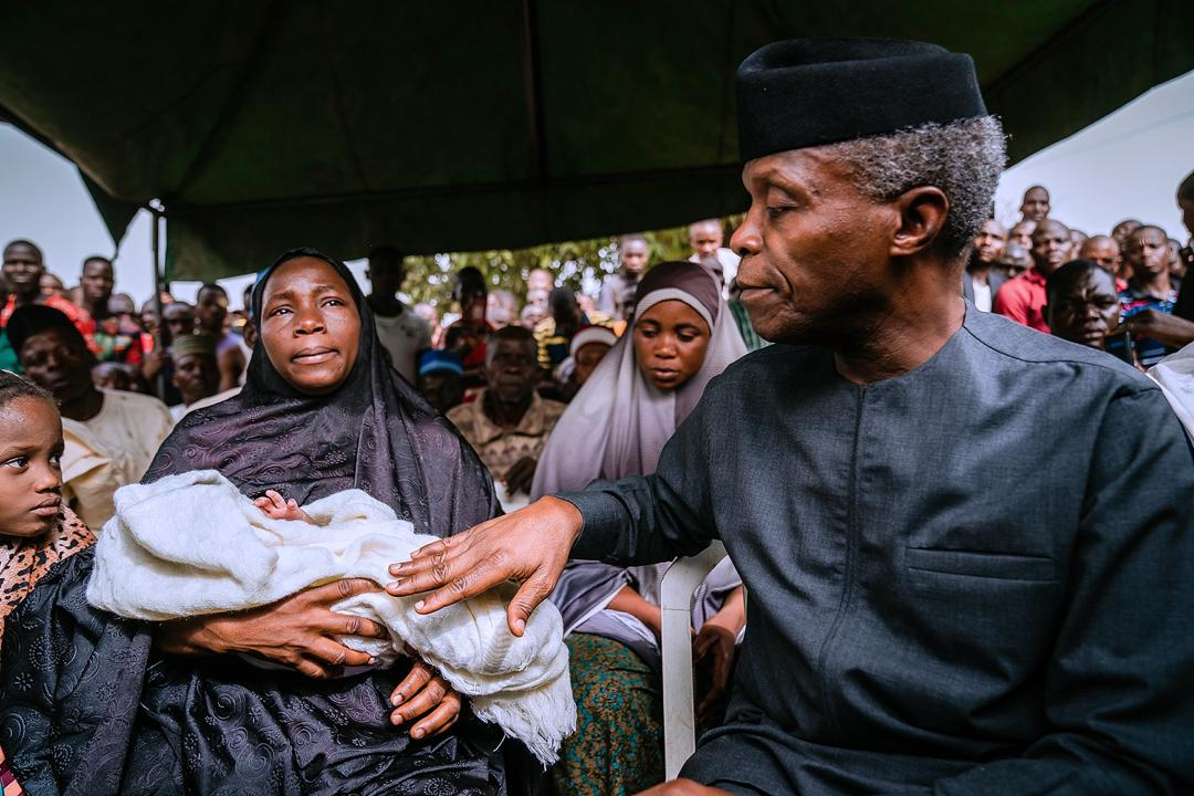 VP Osinbajo Visits Wife & Family Members Of Late Officer Ali Gonima At His Hometown In Gui, FCT On 14/03/2020