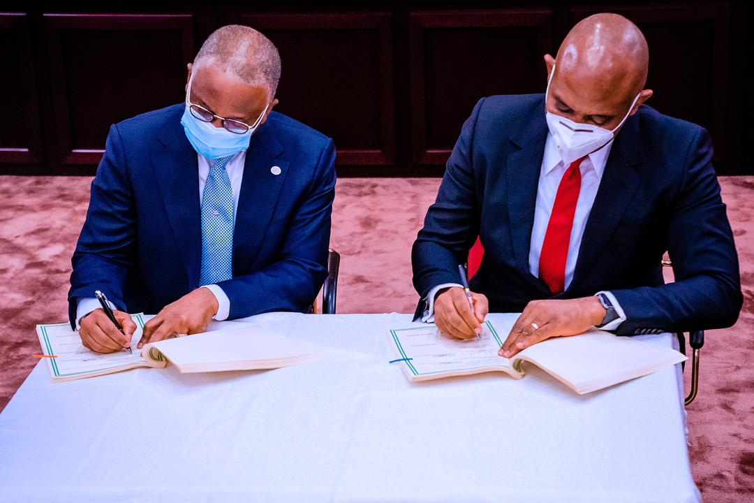 VP Osinbajo & Chairman NCP Attend & Witnesses Signing Ceremony Of Share Sale & Purchase Agreements For The Privatization Of Afam Power Plc. & Afam Three Fast Power Limited On 05/11/2020
