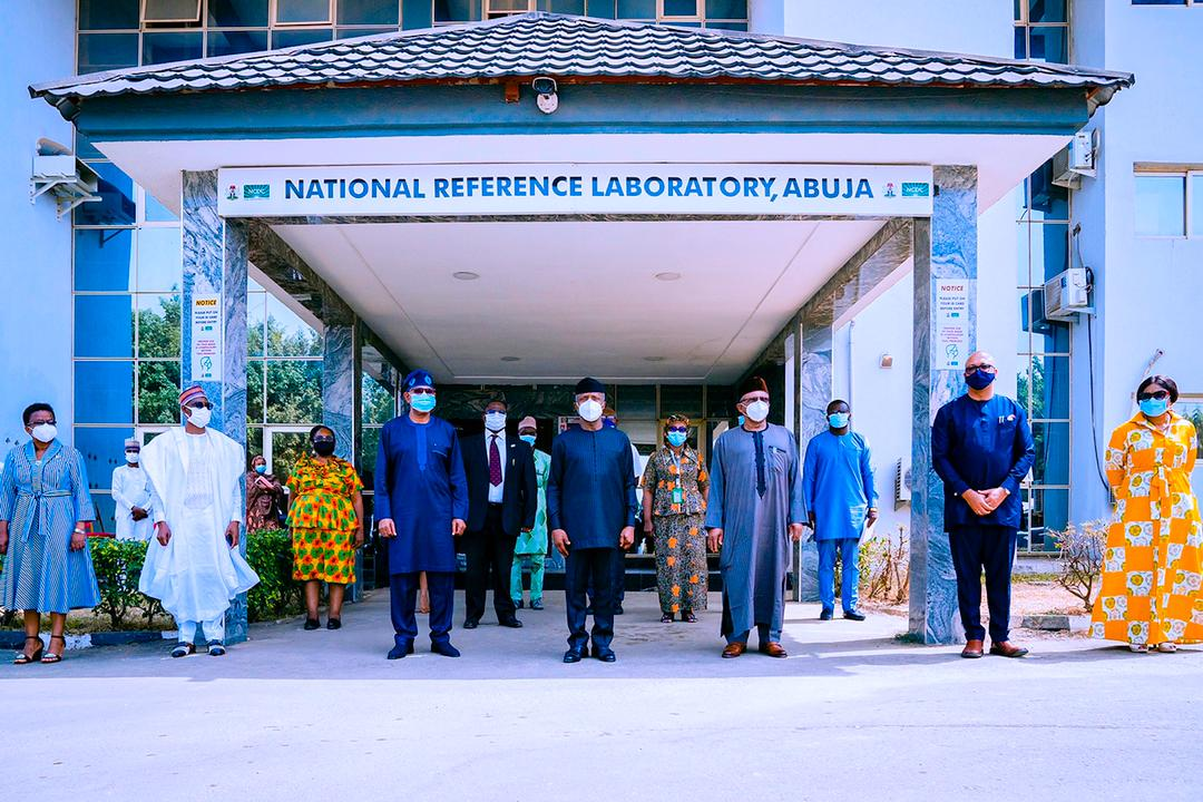 VP Osinbajo Visits NCDC National Reference Lab In Gudu On 22/01/2021