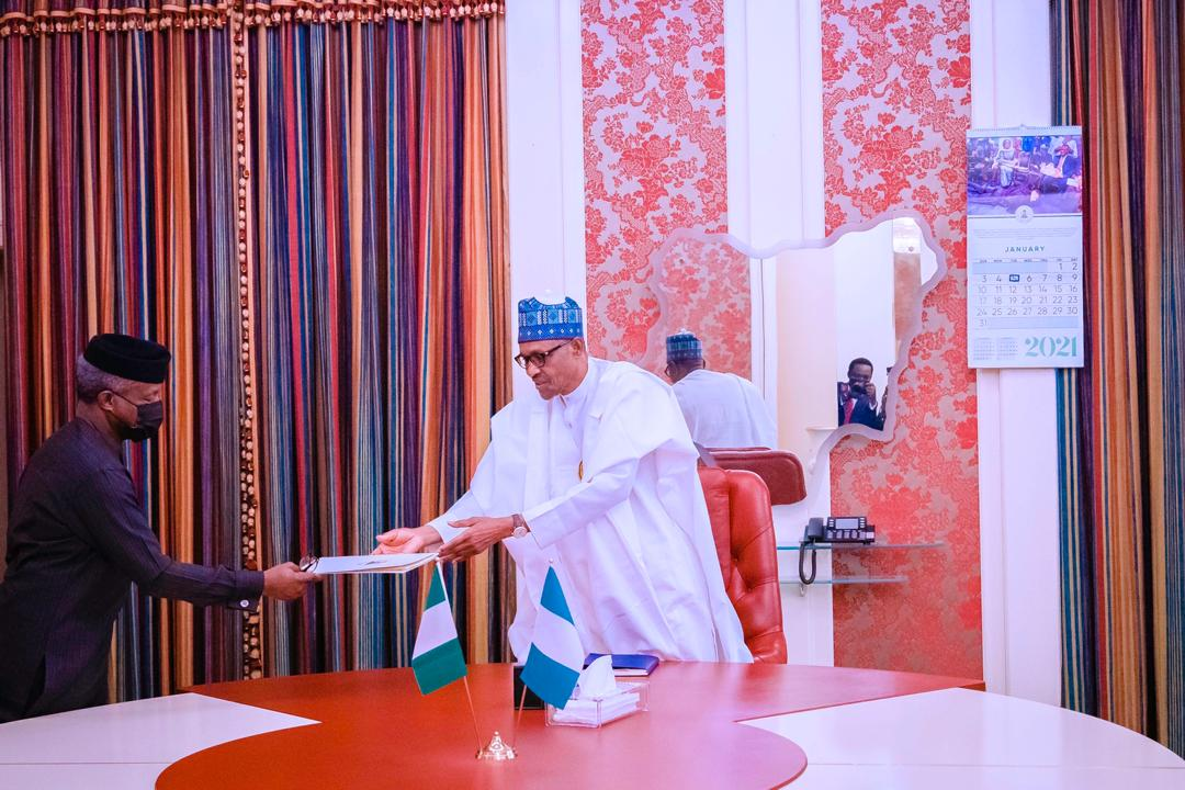 VP Osinbajo Presents Progress Report To Presiden Buhari On The Implementation Of The Economic Sustainability Plan On 05/01/2021
