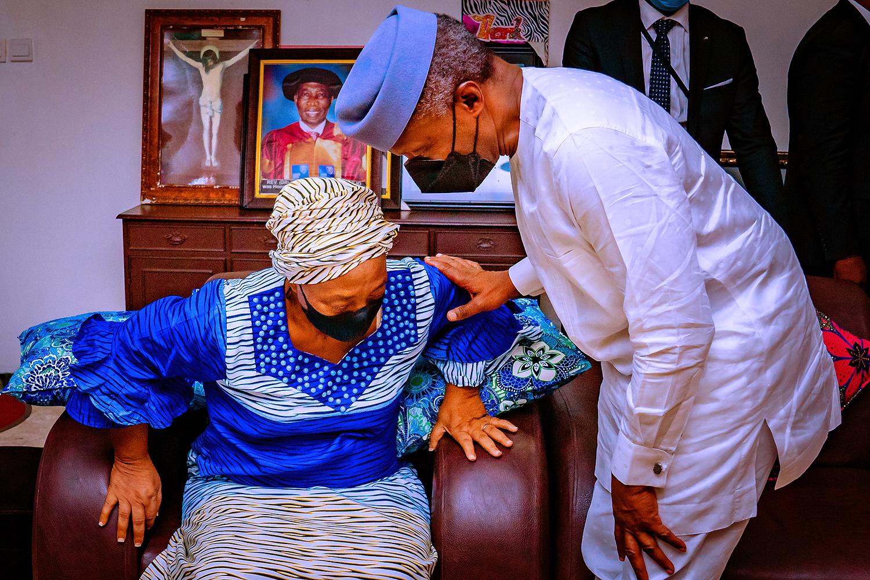 VP Osinbajo Pays Condolence Visit To Mrs. Badejo & Family On The Loss Of Their Patriach, Revd. Dr. Wilson Badejo On 14/08/2021