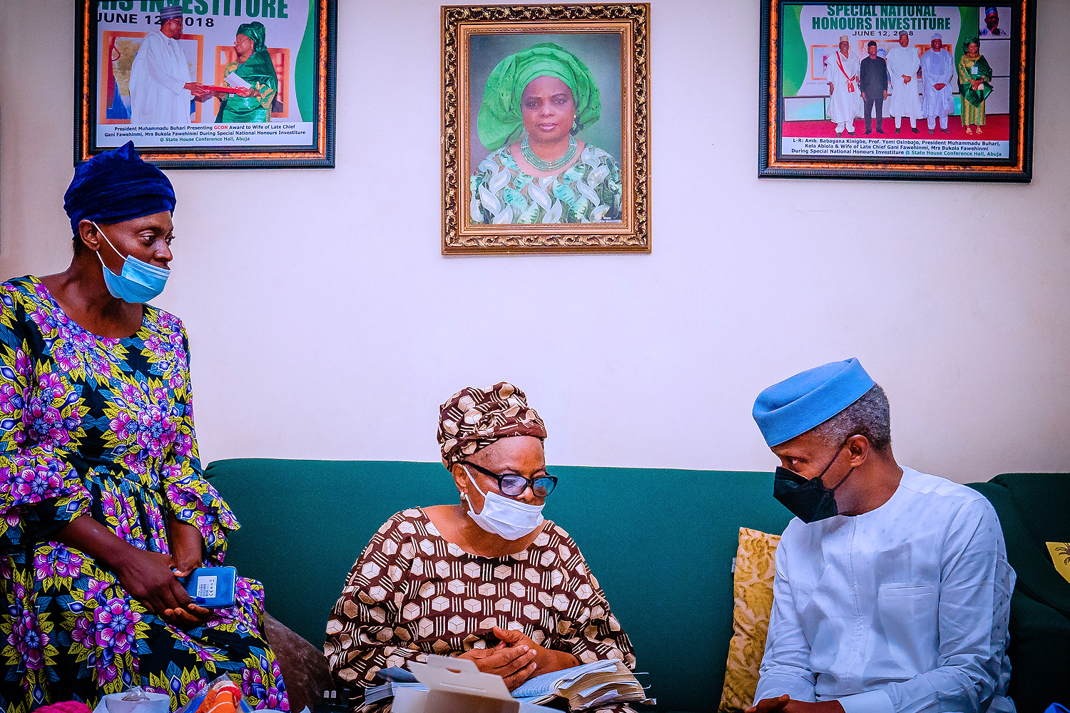 VP Osinbajo Pays Condolence Visit To Mrs. Fawehinmi On The Loss Of Her Son, Barr. Mohammed Fawehinmi – 14/08/2021